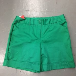Worthington Green Shorts Size 12